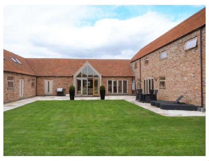 Click here for more about Moor Farm Barns