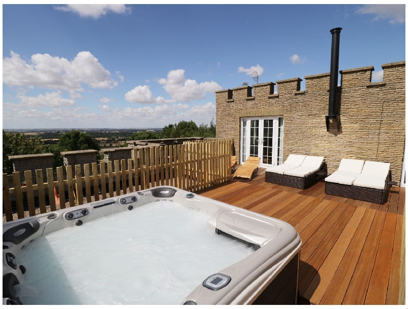 Click here for more about Castle Top Retreat