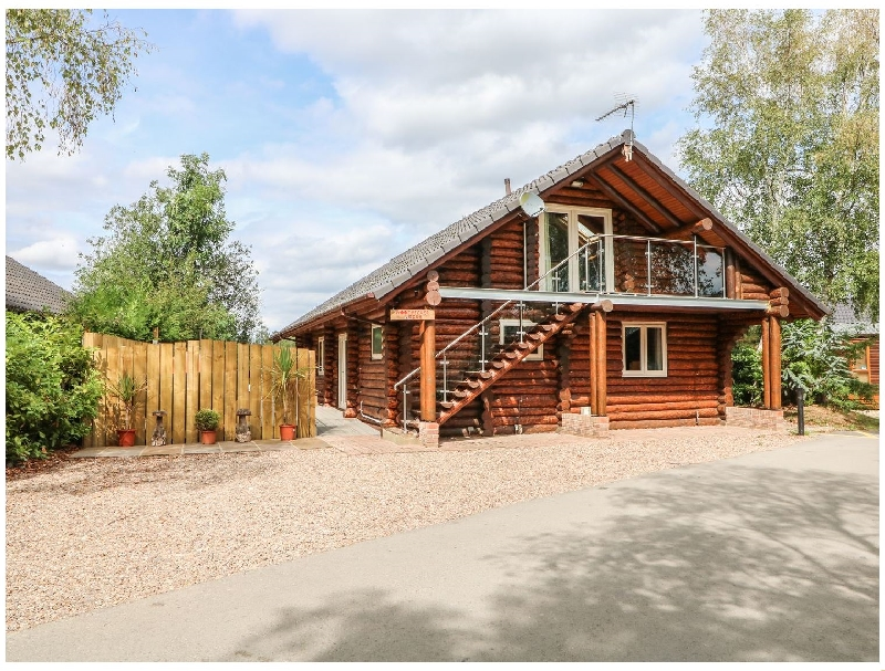 Click here for more about Woodpecker Lodge